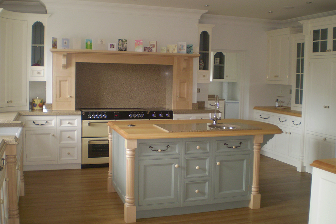 Handmade kitchen with pilasters h m interiors bespoke for Handmade kitchens