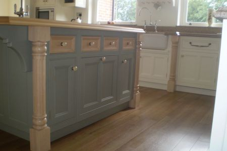 Handmade-kitchen-with-pilasters-2