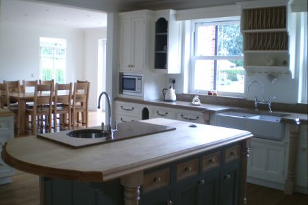 Handmade-kitchen-with-pilasters-4