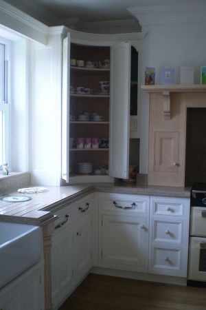 Handmade-kitchen-with-pilasters-5