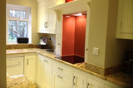 Shaker-kitchen-in-essex-village-1